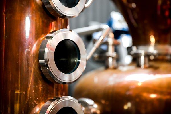 the-craft-distilling-business-still-close-up